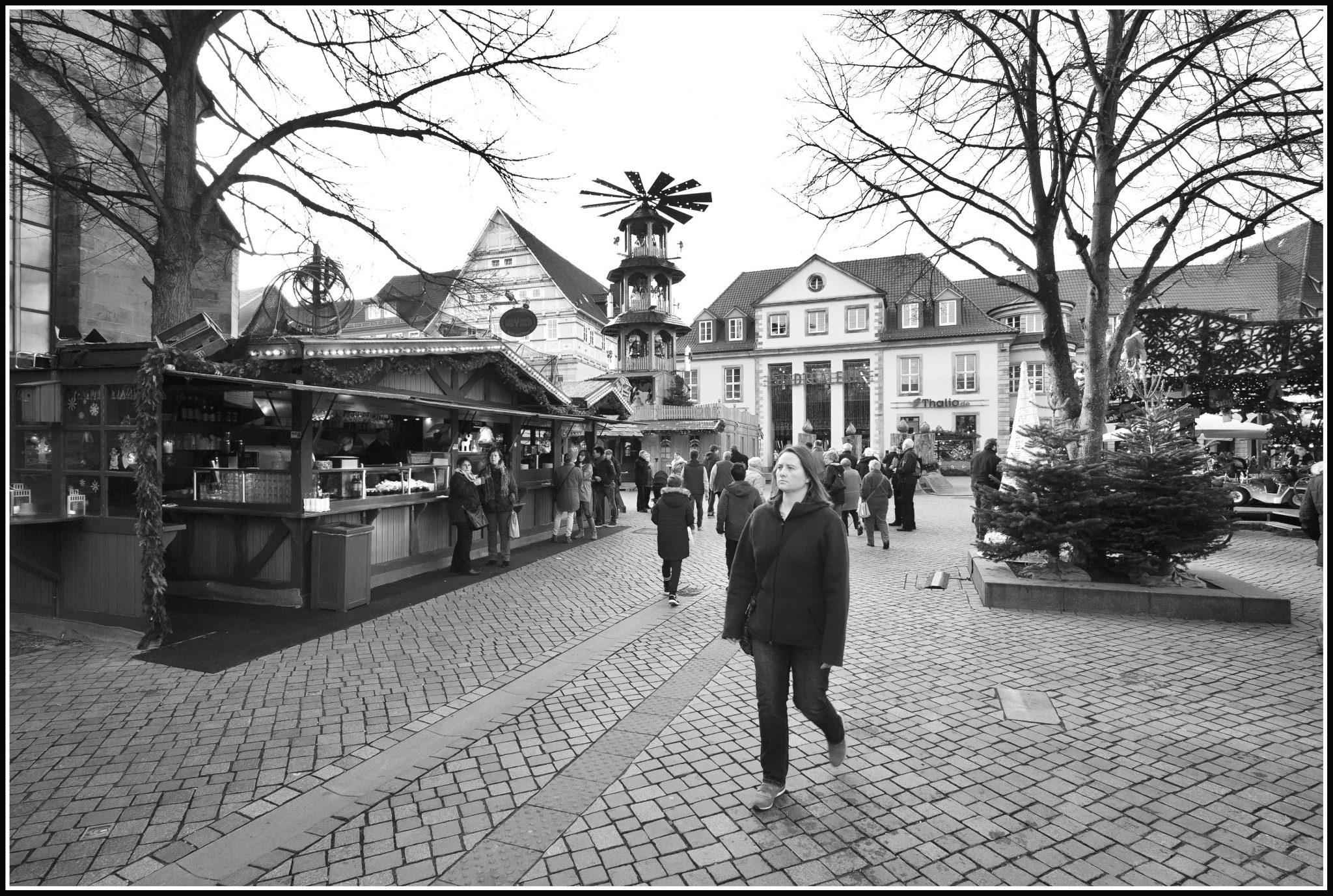 l1490032_m8-digital-camera_1-180-sek-bei-f-67__iso-320_black-white-projects-k